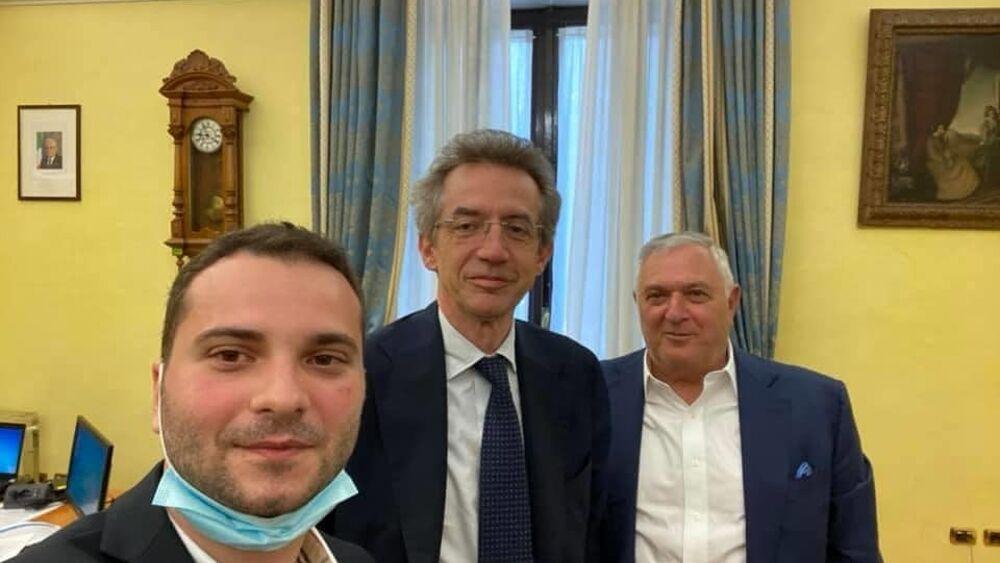 Il biologo brindisino Marco Giaimis incontra il ministro Manfredi